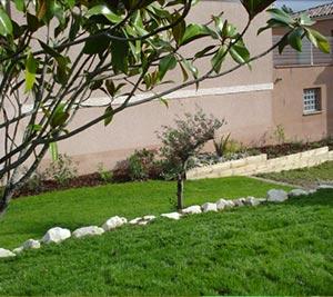 Entretien de jardin et d 39 espaces verts sur la r gion for Entretien des jardins et espaces verts